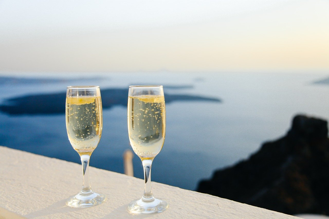 sparkling wine, bubbles, glasses